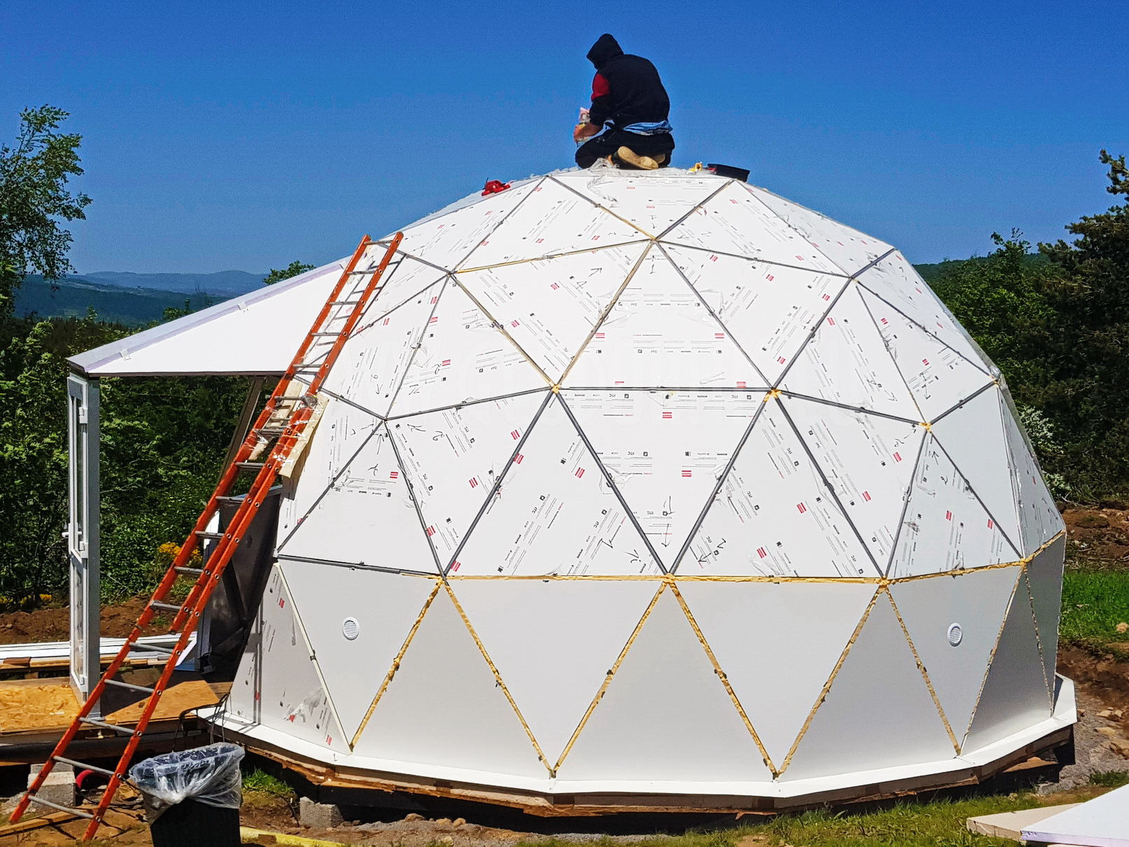 30m² Glamping Dome Ø6m  | Sandwich panel & Glass Skylight