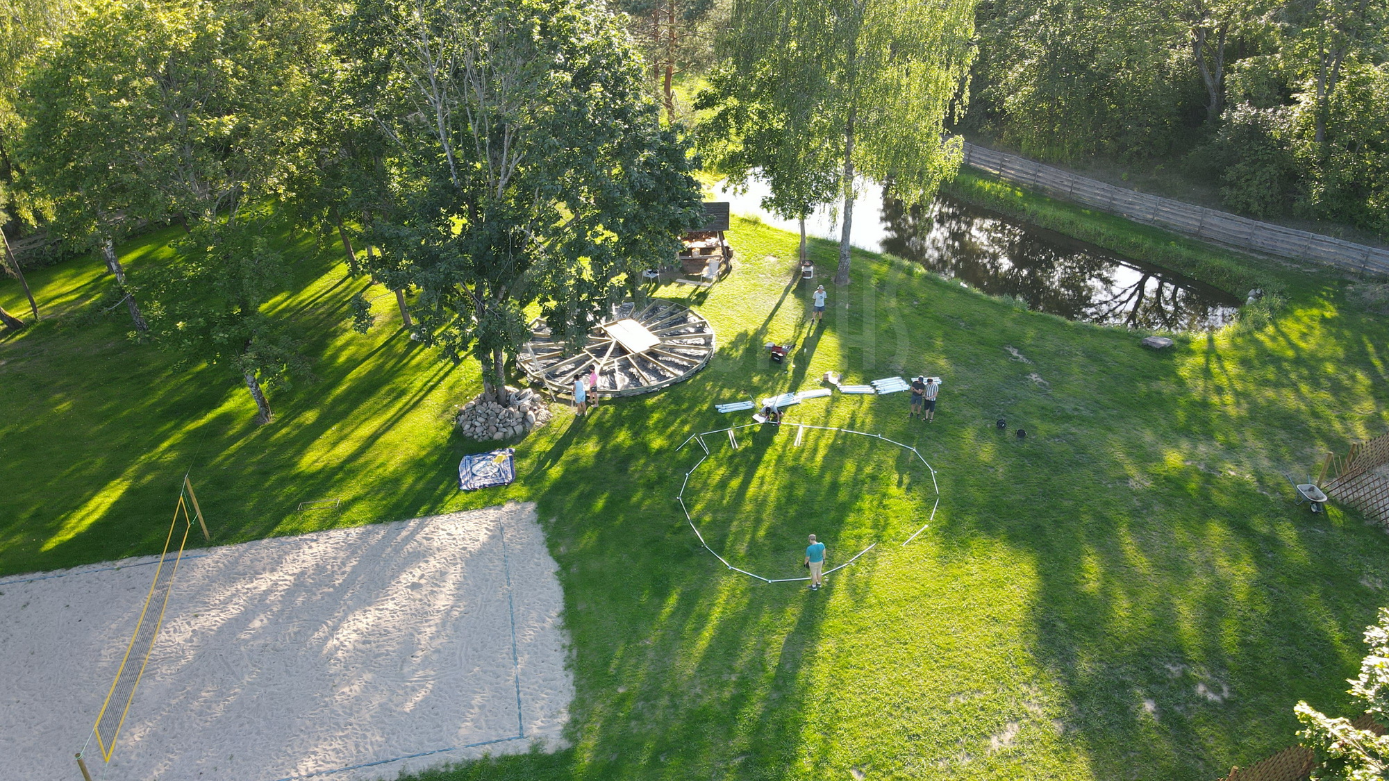 50m² Glamping Dome Ø8m & TREE DOMES   Recreational area